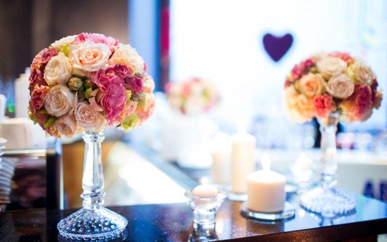 Как украсить свадебный зал самостоятельно